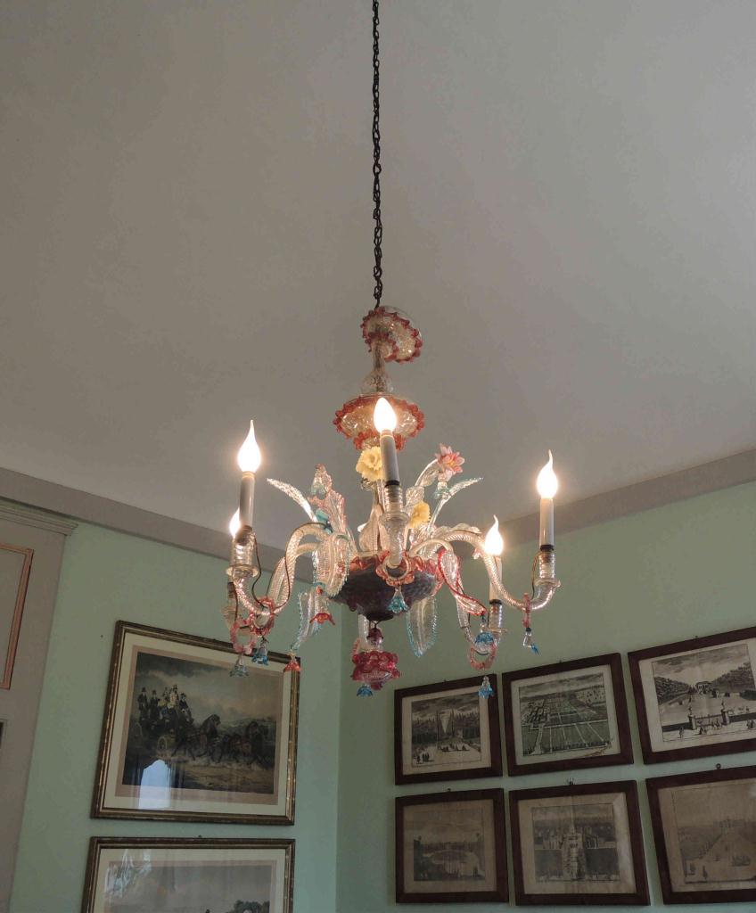 Restauro lampadari restauro di lampadario in vetro di for Rossi lampadari
