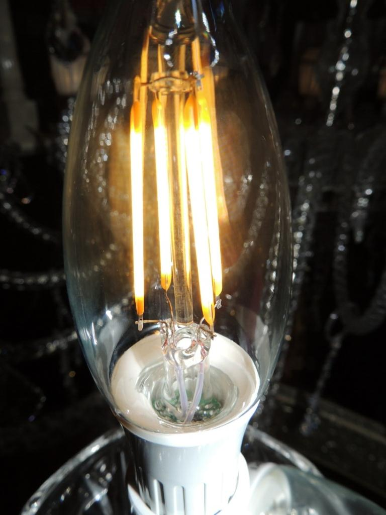 Lampadine a led lampadina oliva led trasparente 4 2 watt for Lampadine led 4 watt