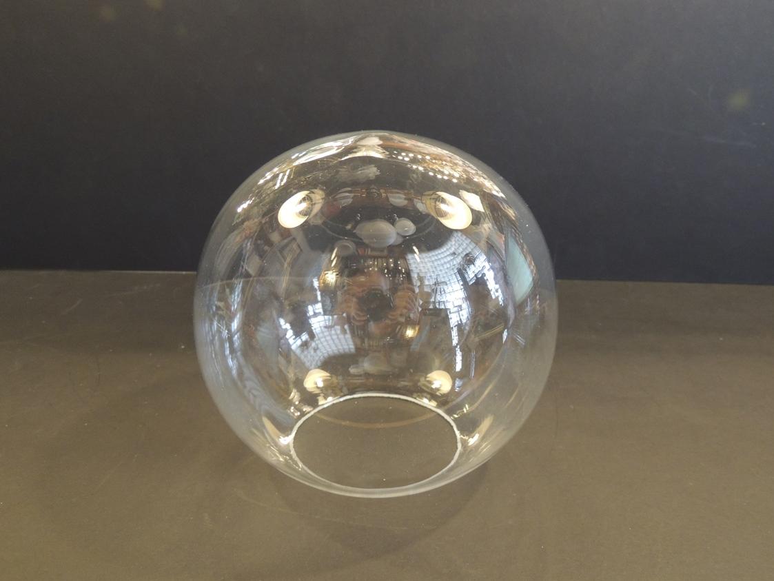 Sfere in vetro trasparente