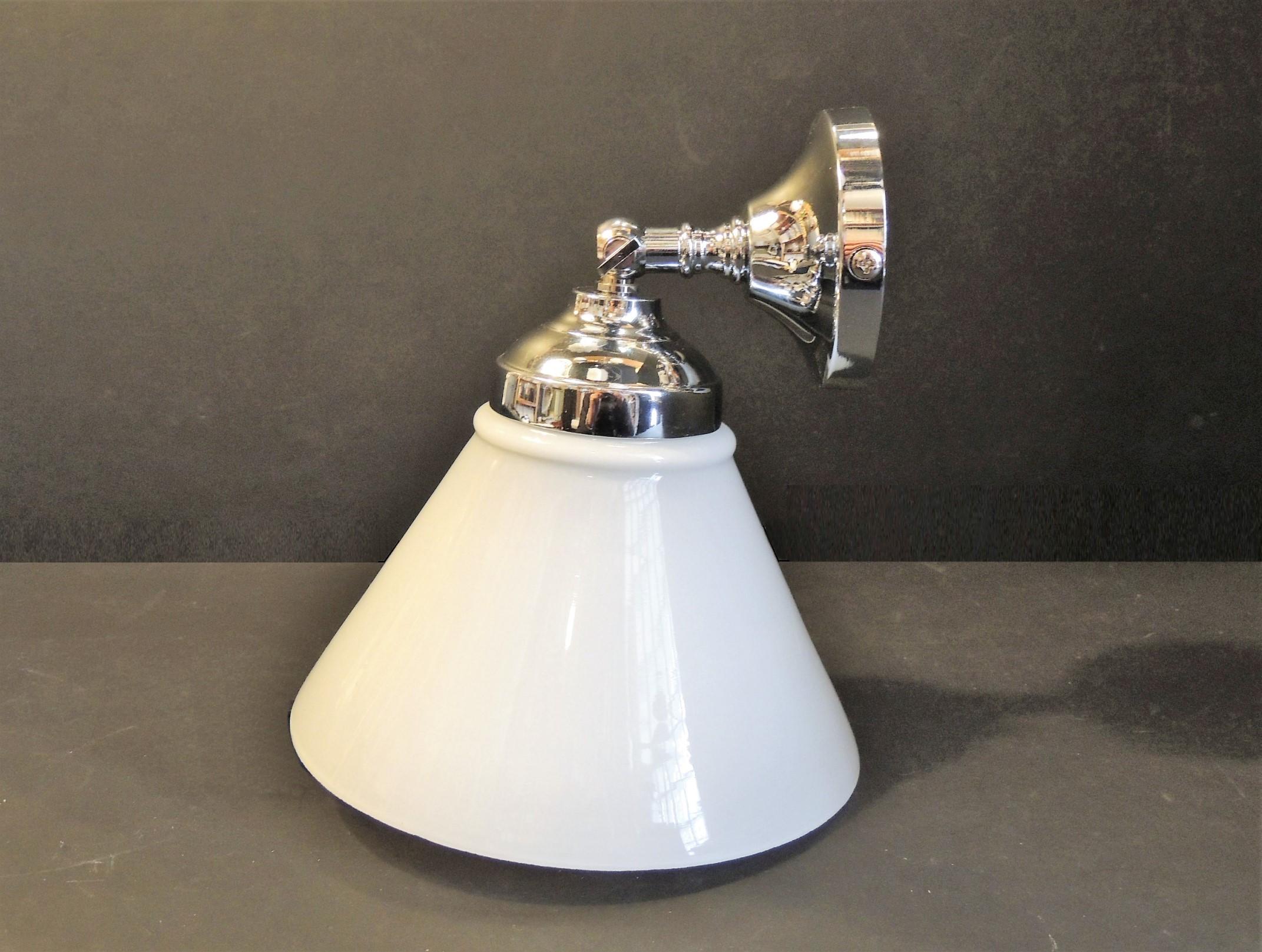 Lampade a parete applique snodo ottone cromato vetro cono bianco
