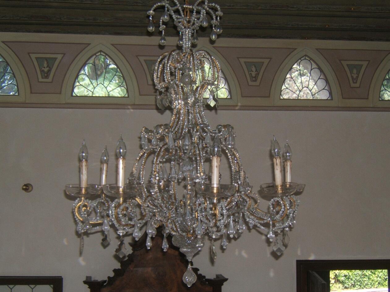Restauro lampadari  Restauro di un antico lampadario a gocce prima e dopo    Rossi Illuminazione     -> Lampadario Antico Verniciato